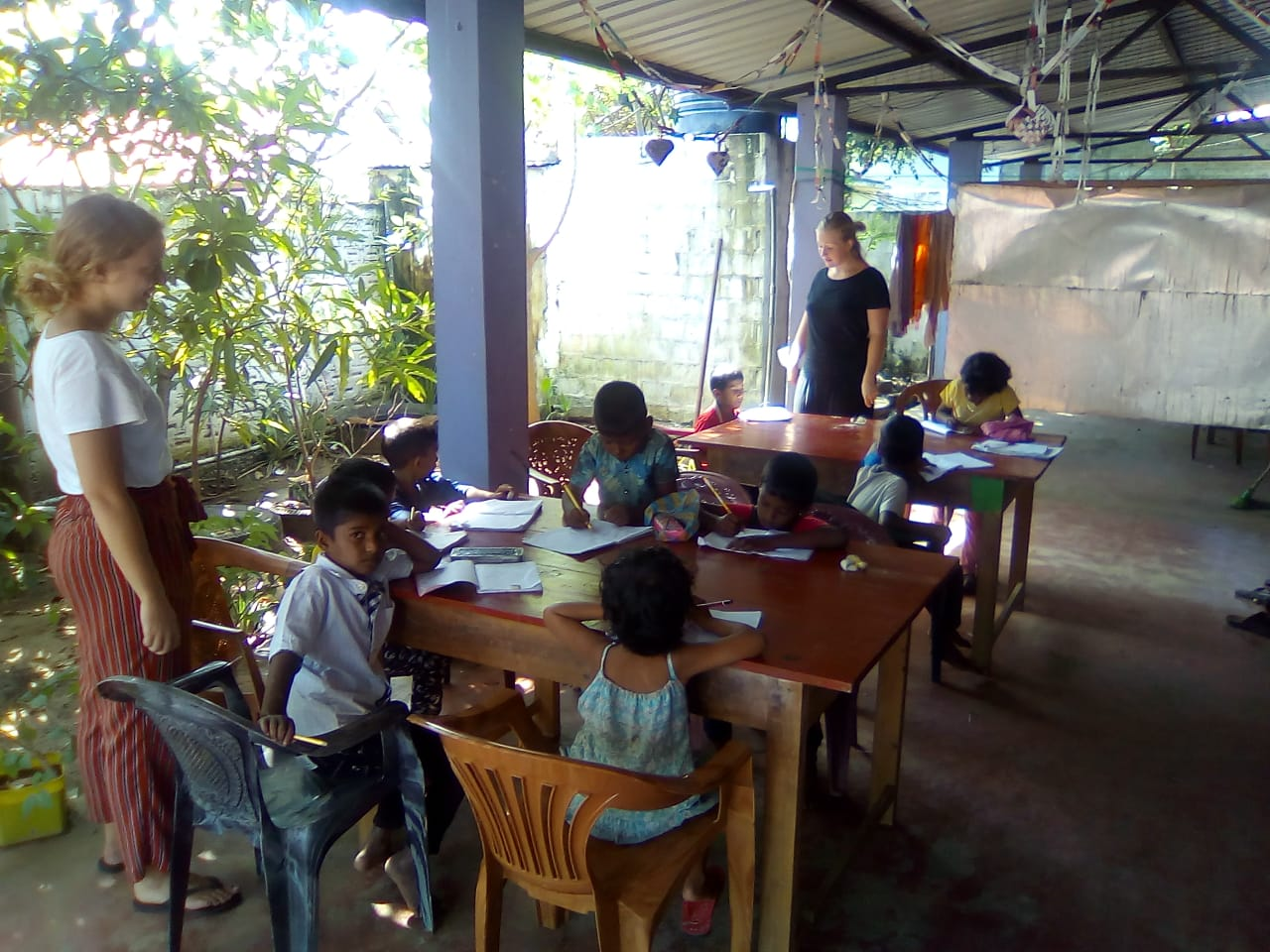 Evening English classes for poor and students